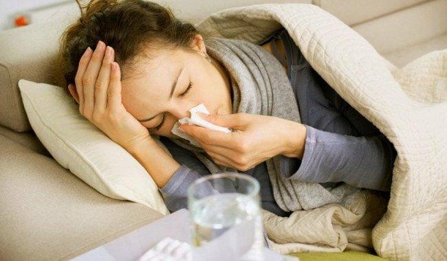 Alivie suas alergias e sintomas da rinita alérgica usando o spray nasal